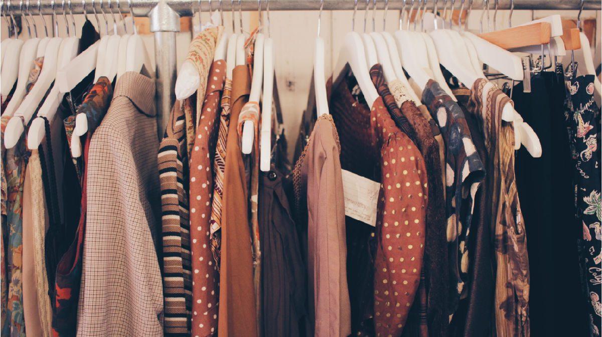 Žmonės, galintys investuoti didesnius pinigus į savo aprangą, visada renkasi firminius drabužius